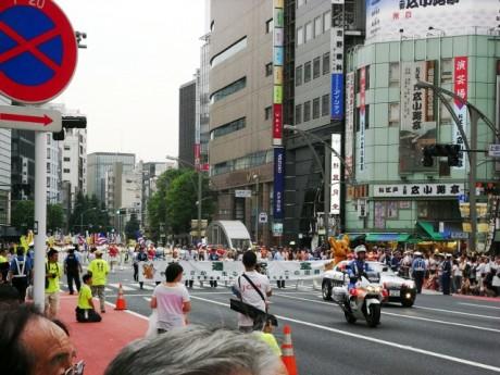 警視庁のパレードから始まりました
