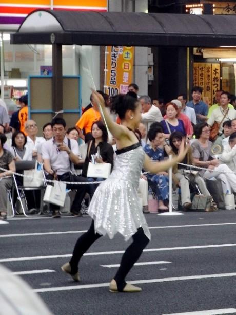 京華学園吹奏楽団+Rosyトワラーズの華麗なバトン技