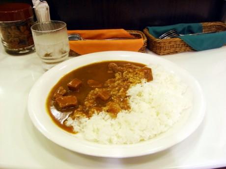 ランチと東京国立博物館&シカン展と猫