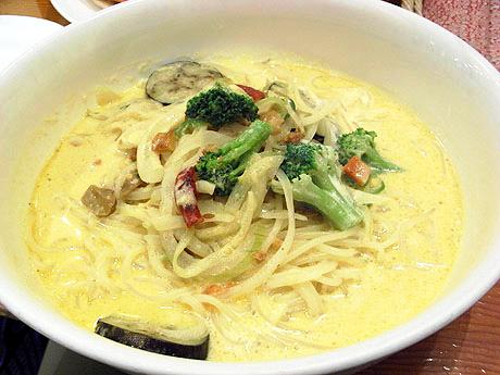 ジャガイモとソーセージカレースープ