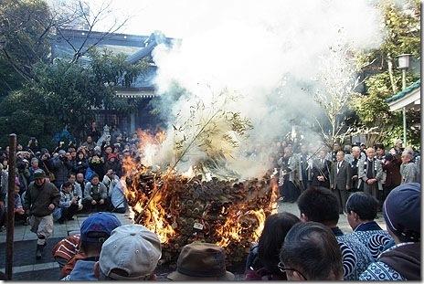 鳥越神社のとんど焼き【平成26年1月8日(水)】