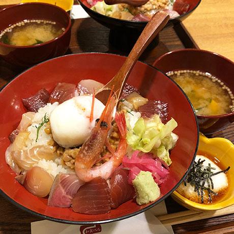 オシャレな居酒屋さんで食べる和食ランチ。「さしすせそ」/上野